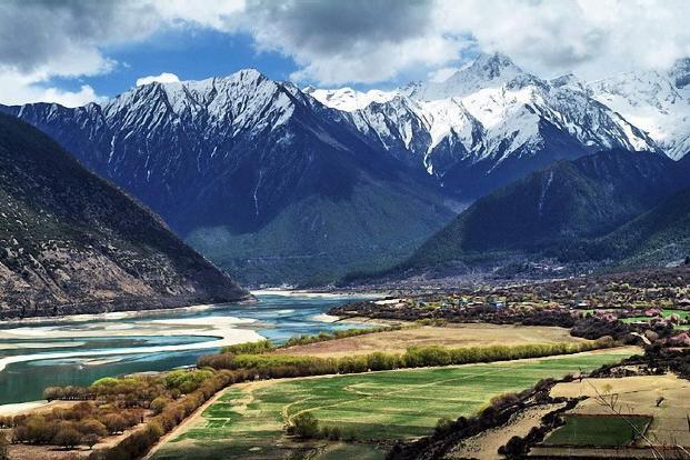 西藏拉萨、林芝、巴松错、大峡谷、羊湖9日双卧跟团游0自费、赠6大特色美食