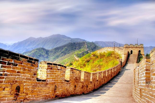 北京八达岭长城、定陵、鸟巢1日当地游八达岭定陵经典一日游,探秘定陵地下宫殿,含中餐特卖