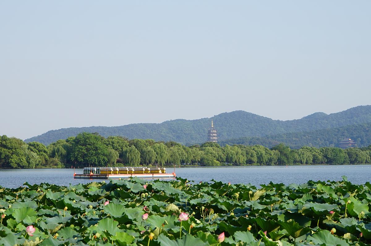 春节 西湖游船、宋城、黄龙洞、西塘2日巴士游闲情逸趣是杭州