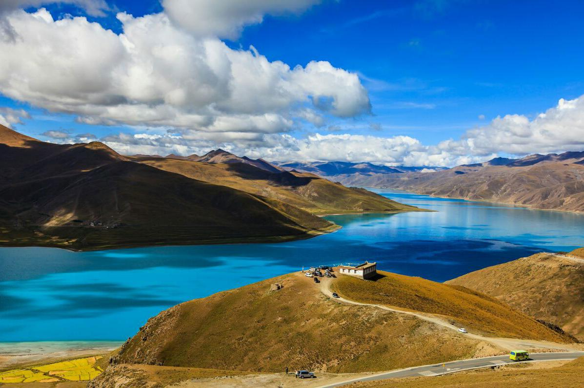 西藏拉萨、林芝、日喀则、珠峰大本营12日卧飞跟团游0自费、赠6大特色美食,1晚宿鲁朗国际小镇