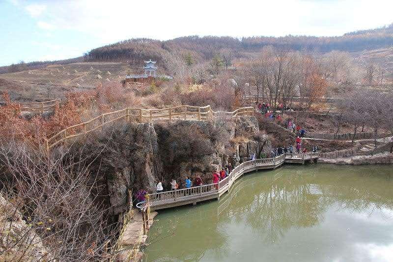 本溪南芬大峡谷1日巴士游吊桥,瀑布,秋千,喷泉