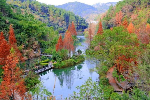 桂林-阳朔-漓江-龙脊梯田-古东瀑布高铁5日4晚跟团游