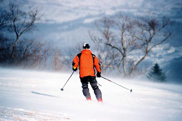 哈尔滨、亚布力滑雪、雪乡穿越、魔界、长白山、雾凇岛7日游纯玩0购物、激情滑雪、镜泊湖冬捕、泡温泉、农家炕、穿花袄、马拉爬犁、包饺子、二人转,浓浓东北味