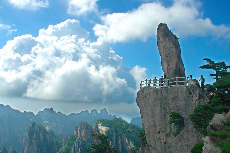 杭州西湖-雷峰塔-西溪湿地-黄龙洞1日跟团游