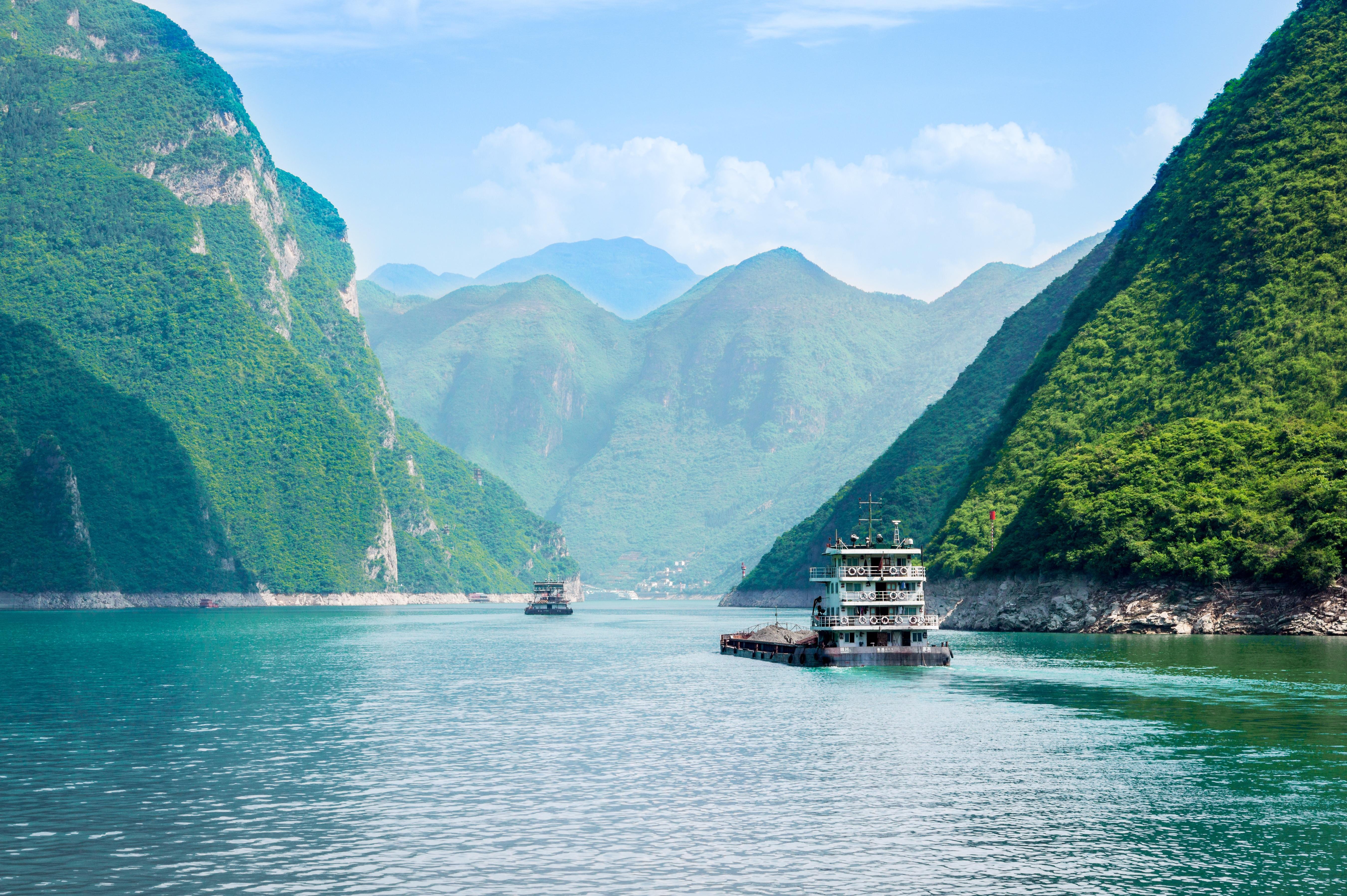 重庆-长江三峡轮船4日3晚跟团游黄金系列纯美式游船,渝宜航线 中西自助美食 阳台标准房特惠