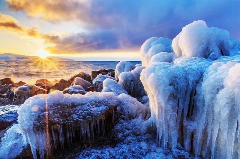 那拉提、赛里木湖、霍尔果斯口岸双卧4日3晚跟团游[冰雪伊犁]纯玩无购物