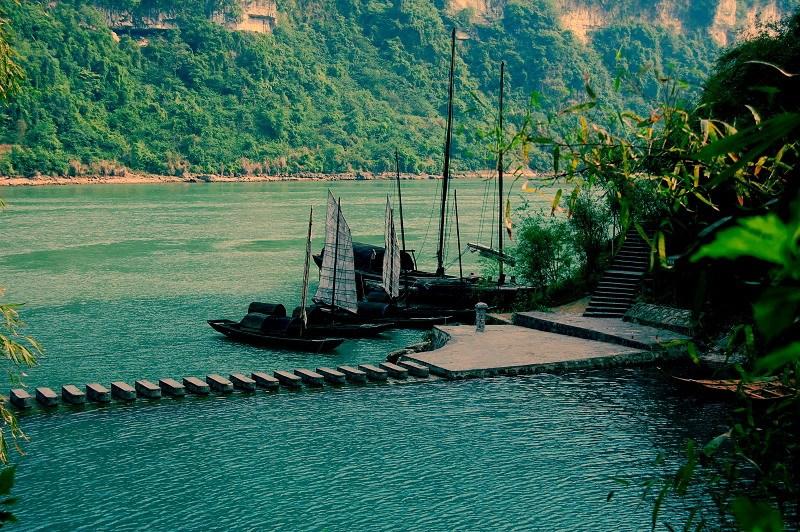 三峡人家、龙进溪、巴王寨1日巴士跟团游[信趣旅游]无自费上门接送品长江鲢鱼