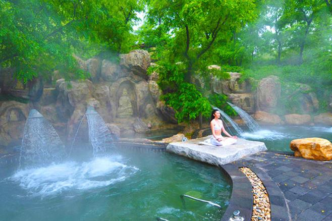 长沙、森林公园、天门山、凤凰高铁6日跟团游赠民俗风情晚会-《魅力湘西》