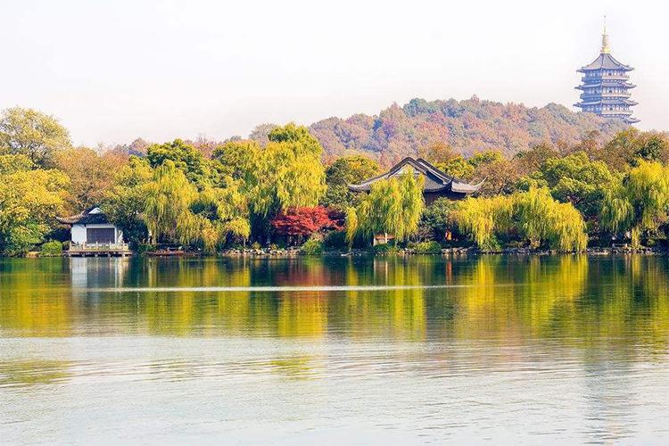 杭州西湖、雷峰塔、灵隐飞来峰巴士1日当地游