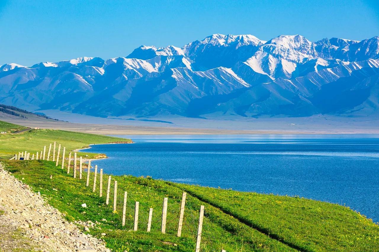 乌鲁木齐、喀纳斯、禾木、五彩滩、魔鬼城、赛里木湖、伊犁巴士7日6晚深度游[户外纯玩半自助]优选北疆经典景点、充足游玩时间、不走回头路、赠旅游意外险
