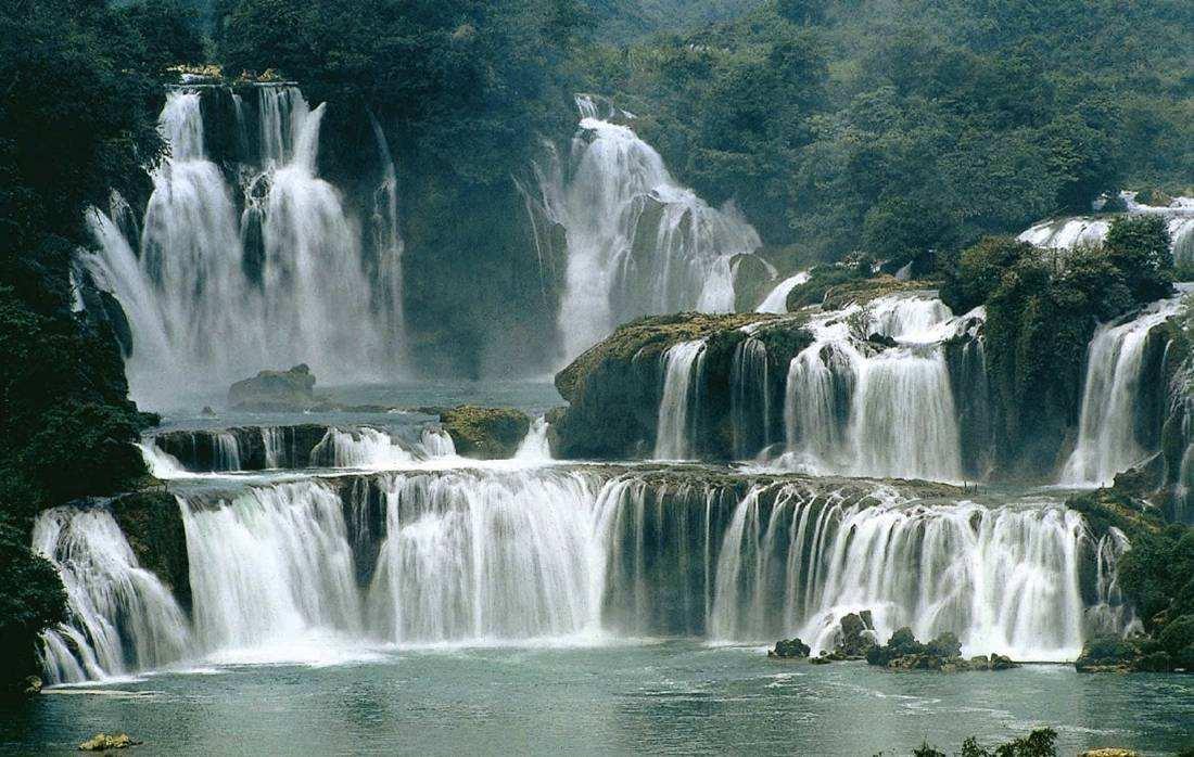 南宁德天跨国瀑布+通灵大峡谷2日跟团游