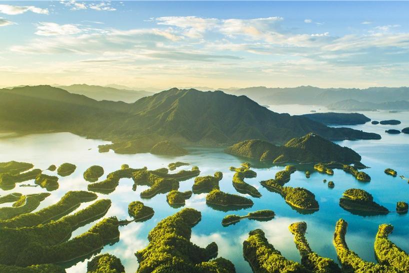 千岛湖森林氧吧、骑行纯玩3日巴士跟团游[爸妈游]氧吧吸氧,宿绿城度假酒店湖景房,可选中心湖游览