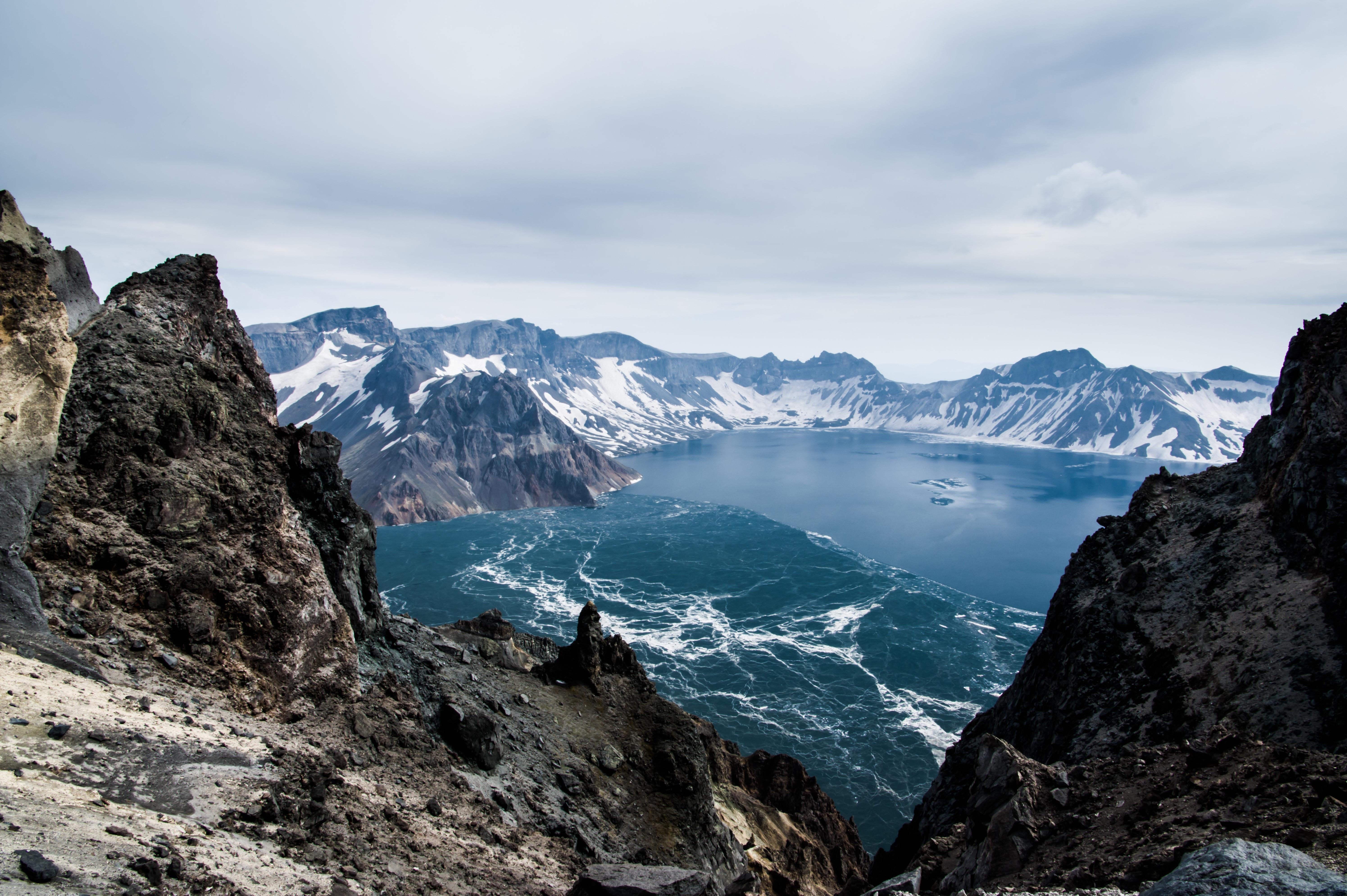 长春、长白山西北坡、红旗村、镜泊湖5日跟团游深度游长白山,体验长白山温泉