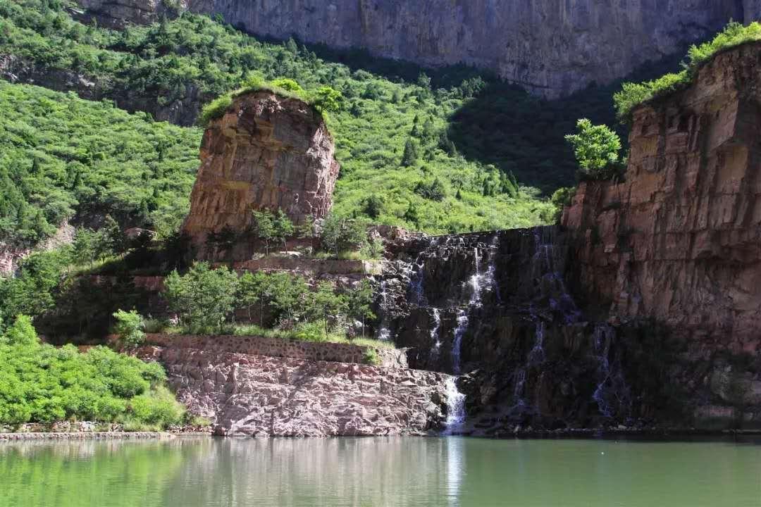 红崖大峡谷1日巴士游红崖大峡谷一日游
