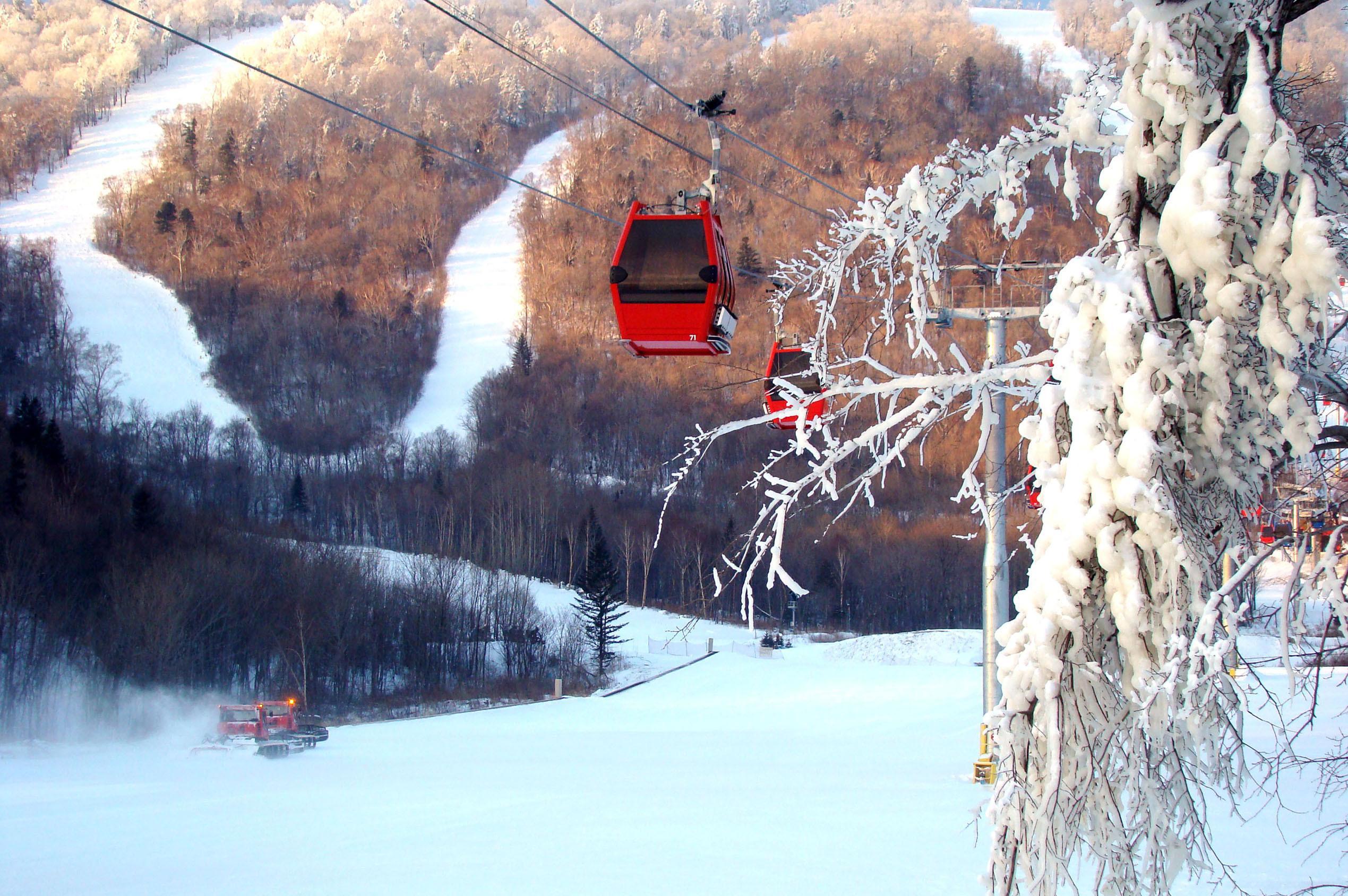 恩施绿葱坡滑雪场