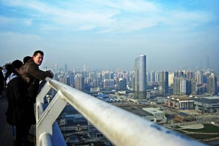 申城美景尽饱览世界上跨度最大的拱形桥当今世界第一钢结构拱桥入住