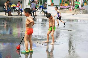 上海欢乐谷狂欢节一日游
