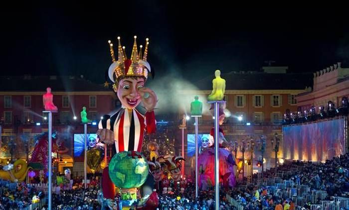 狂欢节的马塞纳广场@法国尼斯旅游与会议局官方网站
