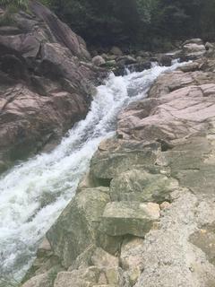 宁波奉化柏坑峡谷漂流