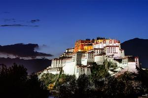 【我是达人】【这里是西藏】拉萨篇:匍匐与仰望