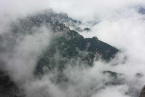 【春季大赏】背着厚重行囊登黄山,在雨中挑战体力的极限