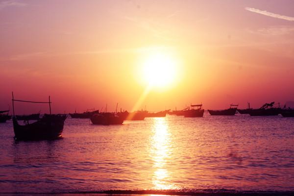 茂名浪漫海岸海上游乐项目