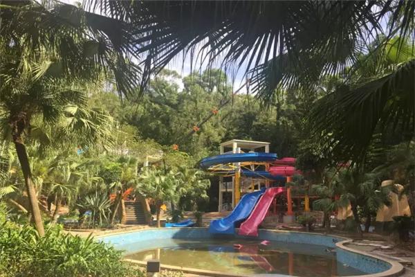 棕榈谷水城彩虹滑梯