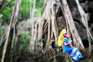 【我是达人】西双版纳|傣家妹子A4腰,热带植物园里奇物多