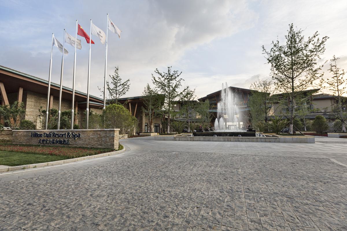 大理实力希尔顿酒店圣诞季正式开启 | 多重礼遇邀您尽享暖冬_品略