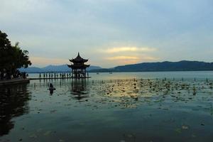 【我是达人】G20前在祥和的西湖看落日美景