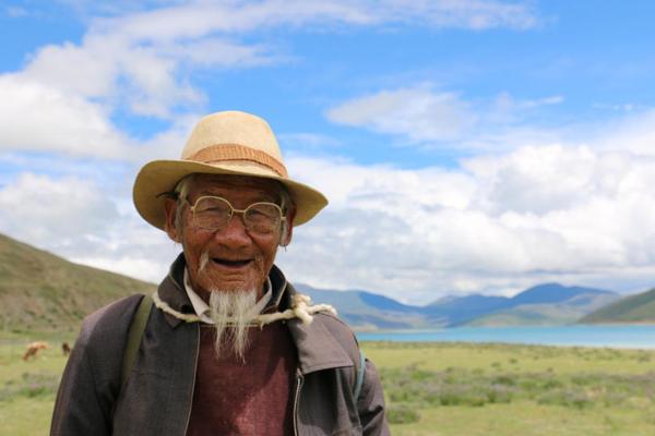 快乐大脚游西藏