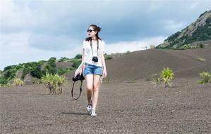 【我要无人机大奖】在腊包尔徒步,从炙热火山走向蔚蓝海岸