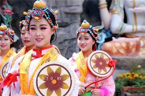 【我是达人】情迷九寨沟,活着的童话世界,活着的藏羌古城