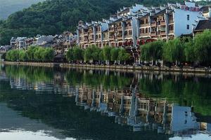 【我是达人】八月的黔东南,漂流、游船、逛古镇,走歪门斜道!