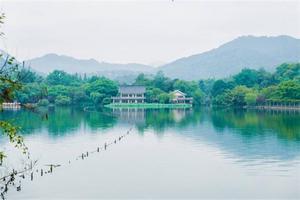 【我是达人】杭州西湖|当远方人满为患,你我如何与诗相伴?
