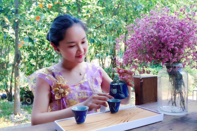 【我是达人】【西双版纳】品一壶普洱茶,回味一席傣味。_西双版纳