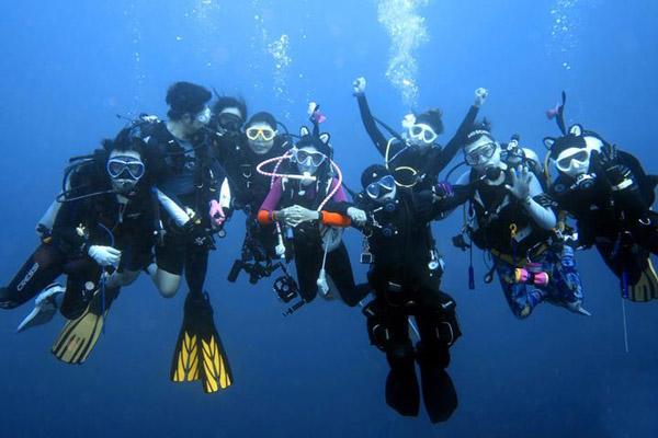 【我是达人】马尔代夫船宿潜水之旅