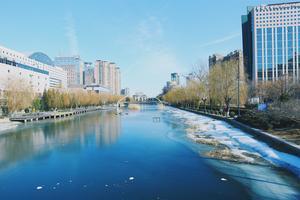 爬长城吃烤鸭水上溜冰,冬日北京别样体验