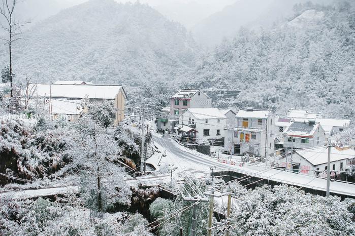 【我是达人】没有脚印的雪景、具有烟火气的村落,我在茆坪村度过了愉快的两天