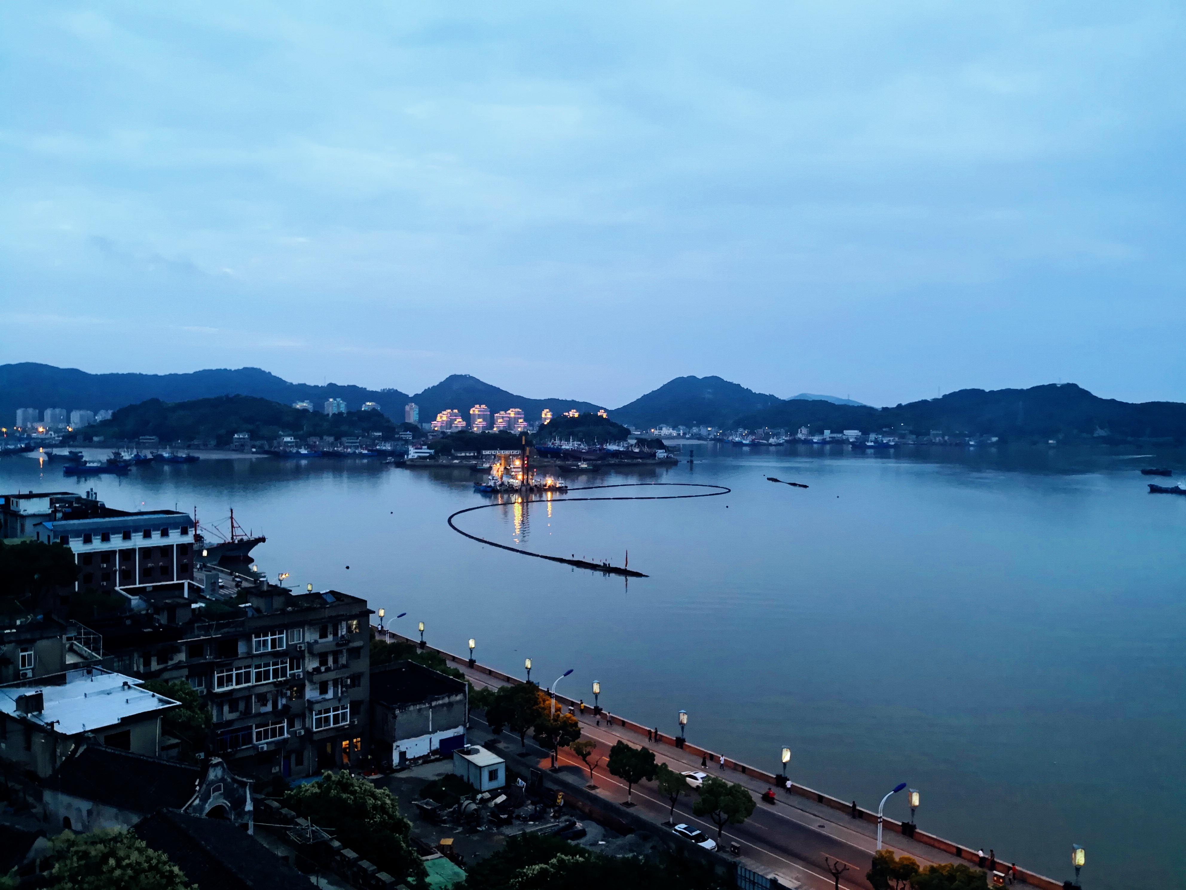 【我是达人】住海滨别墅,吃海鲜大餐,逛渔港古城,象山三日游