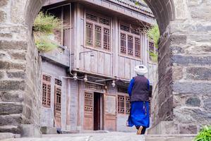 【我是达人】走进川西理县感受羌绣文化,听绣娘讲述震后十年的故事