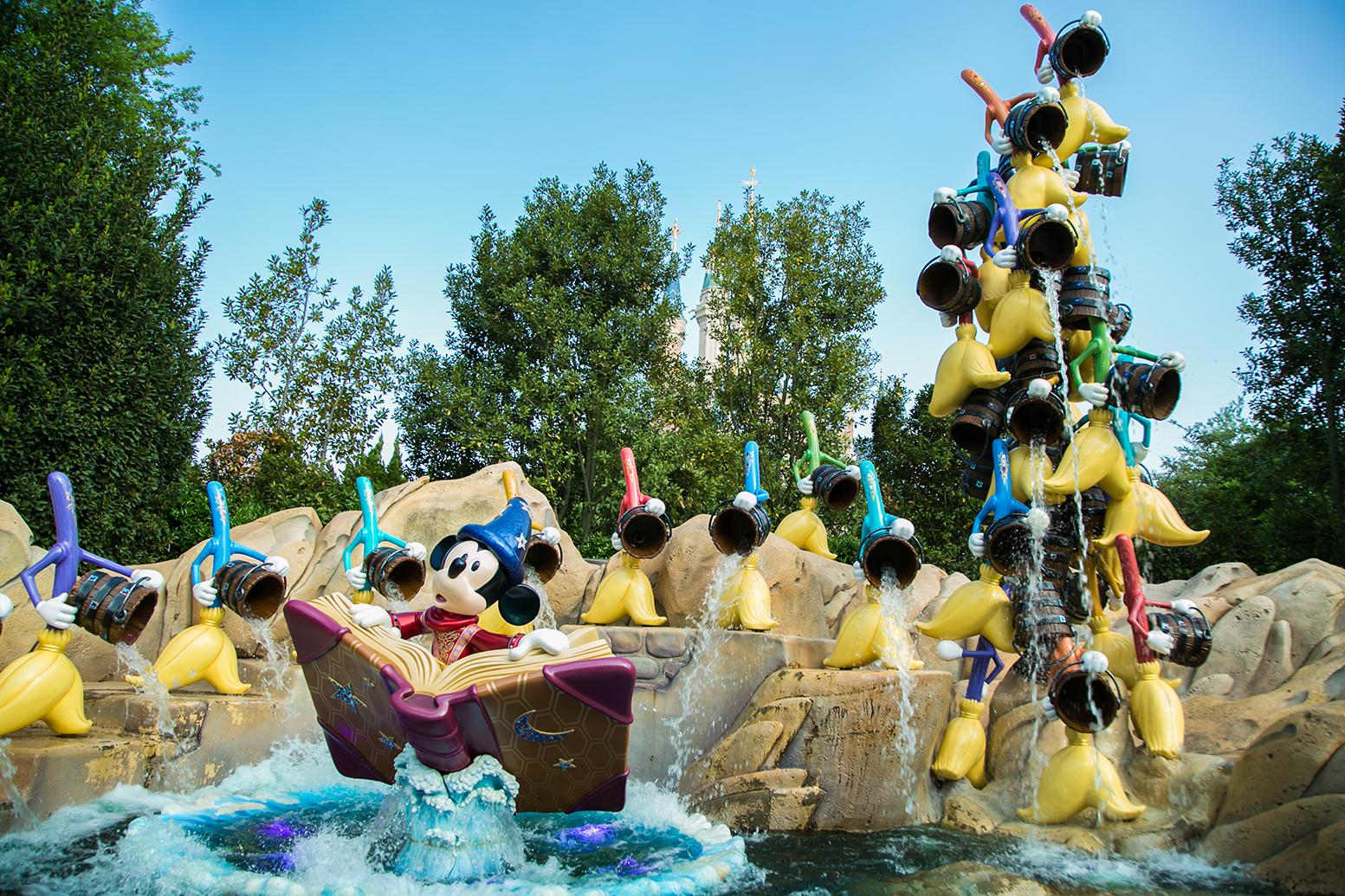 上海迪士尼乐园在玩乐中发现和探索