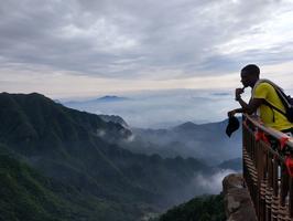 【美在路上】带上刚果小伙伴,体验神鹰山云海奔腾