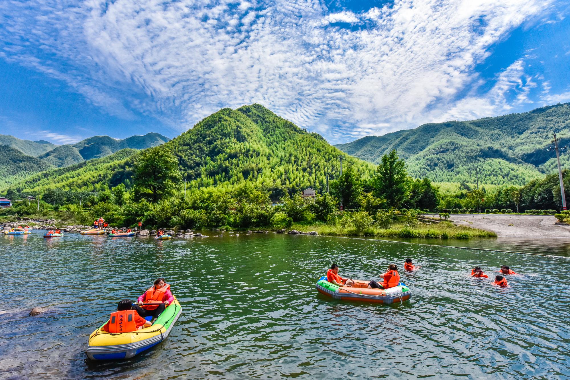 【我是达人】炎热避暑何处寻?到浙北安吉清凉一夏,感觉如何?