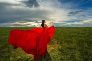 新疆就是一幅美丽的油画,里面流淌着动人的风景和西域风情和西域风情