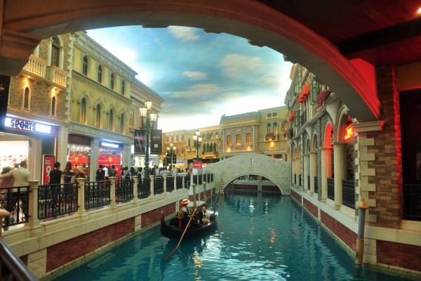 【背着Doughnut去旅行】去威尼斯人,体验贡多拉