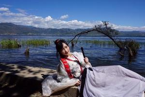 【十月旅行】爱汉服更爱旅行,丽江最近色彩斑斓,附实用旅行贴士