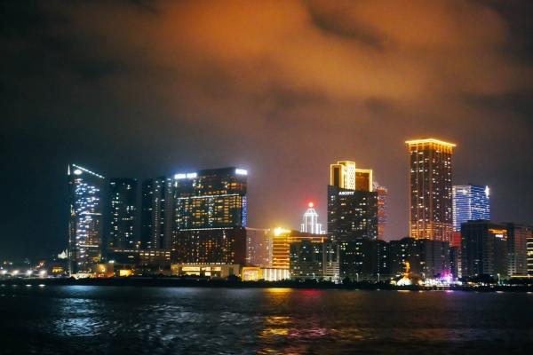 珠澳海湾夜游,领略不一样的璀璨夜景