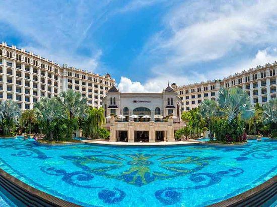 三亚湾皇冠假日度假酒店