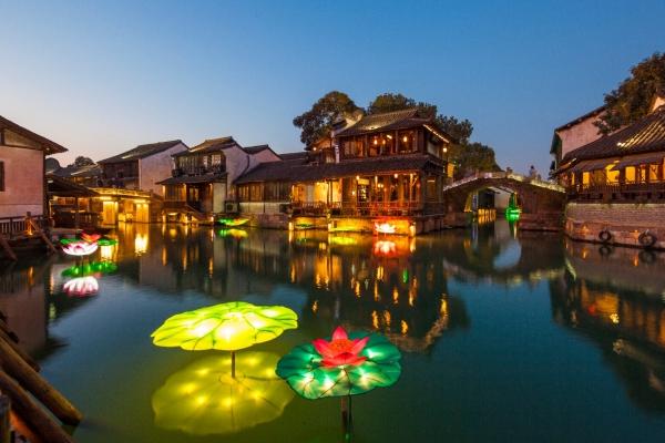 赏水灯、逛集市、吃街宴,浓浓年味从小年直到元宵——乌镇乌村中国年